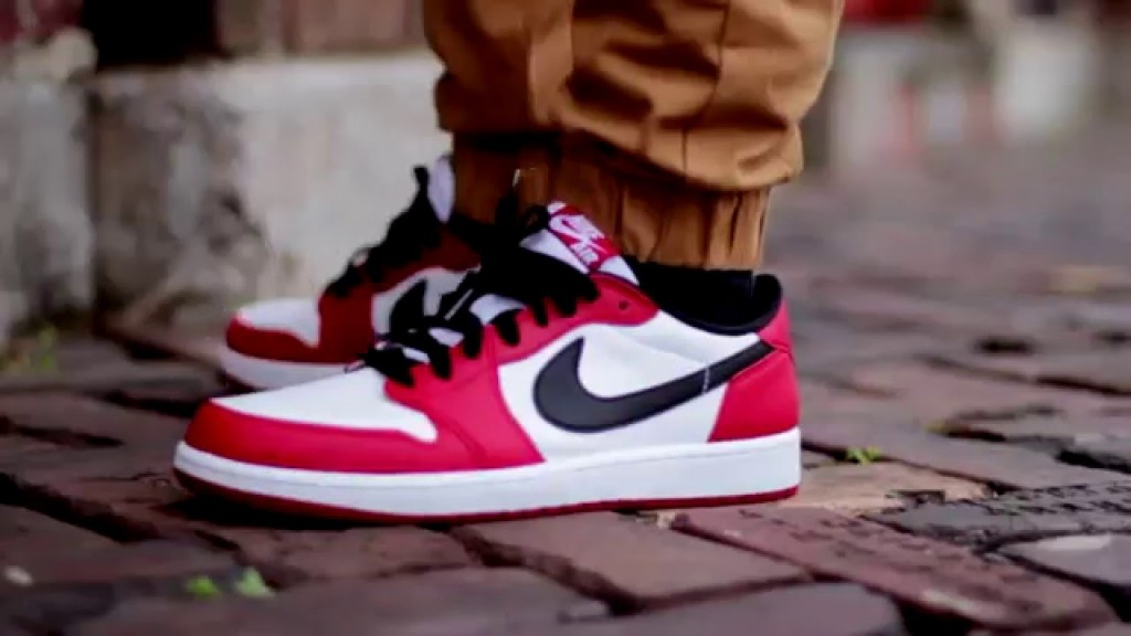STYLE: Chicago Low 1's Review + On Foot!