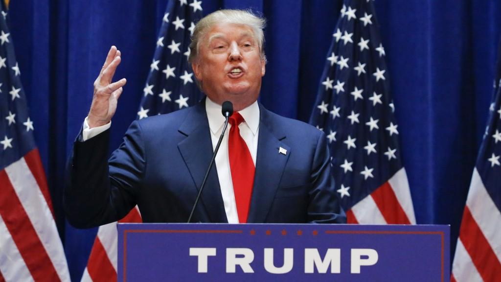 """LIFE: Donald Trump raps Mac Miller's """"Donald Trump"""""""