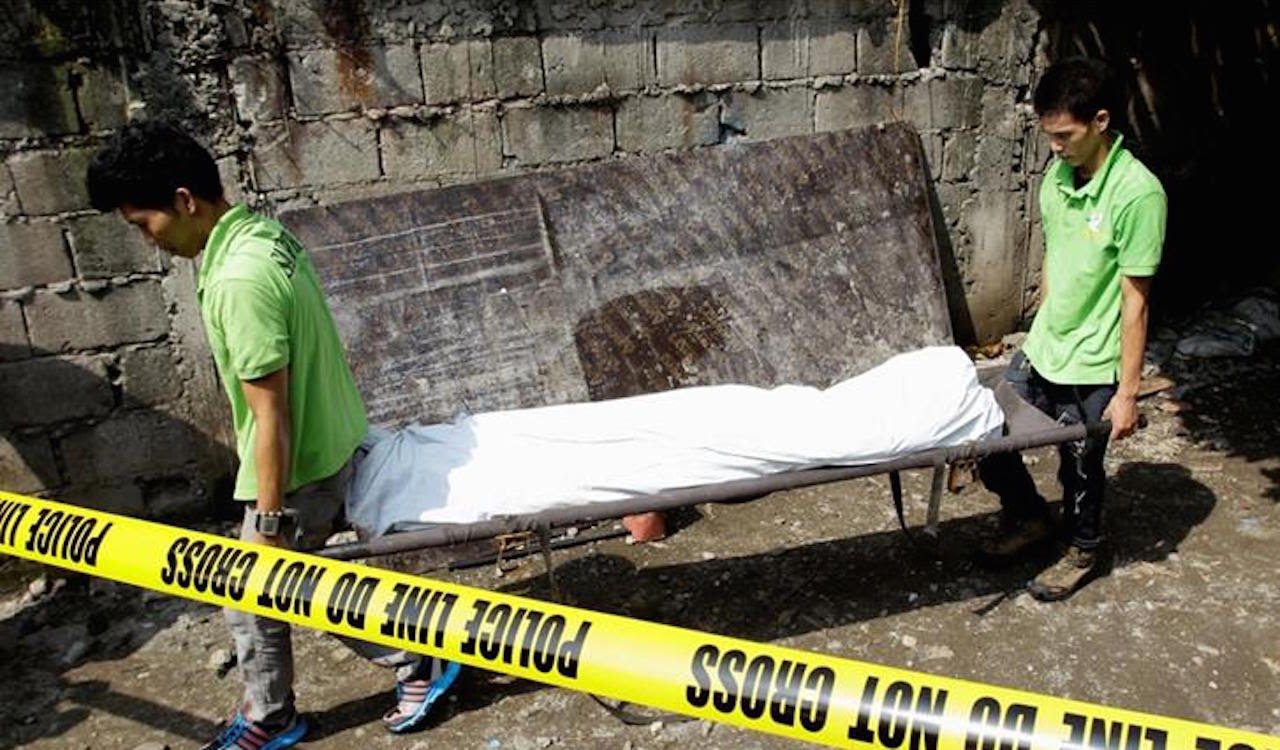 """LIFE: New Philippines President Kills 45 """"Drug Dealers"""" Without Trial"""