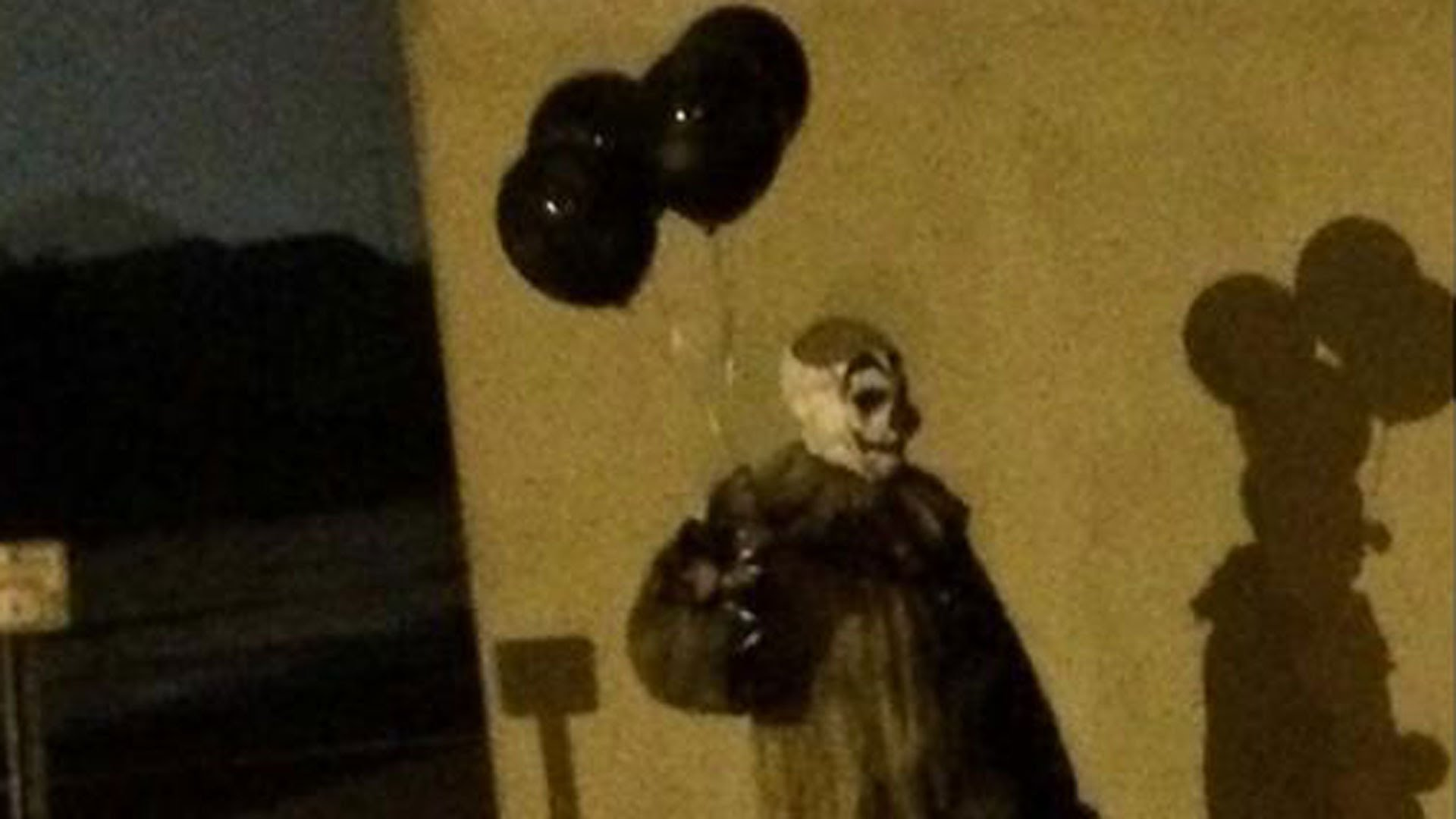 LIFE: Gags The Green Bay Clown Terrorizing Wisconsin Town