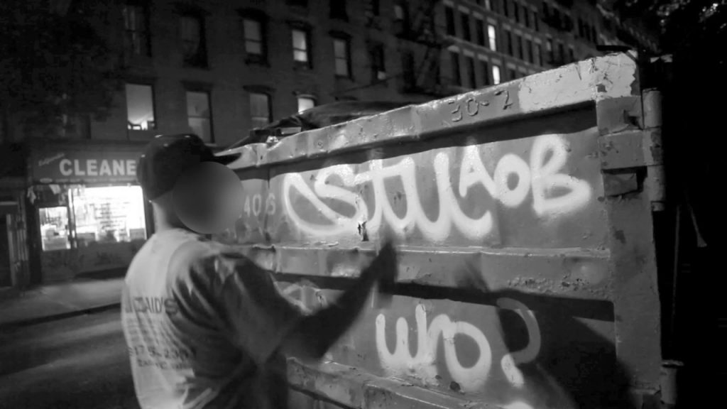 ART: TagsAndThrows - In Action 002 - Stu in New York.