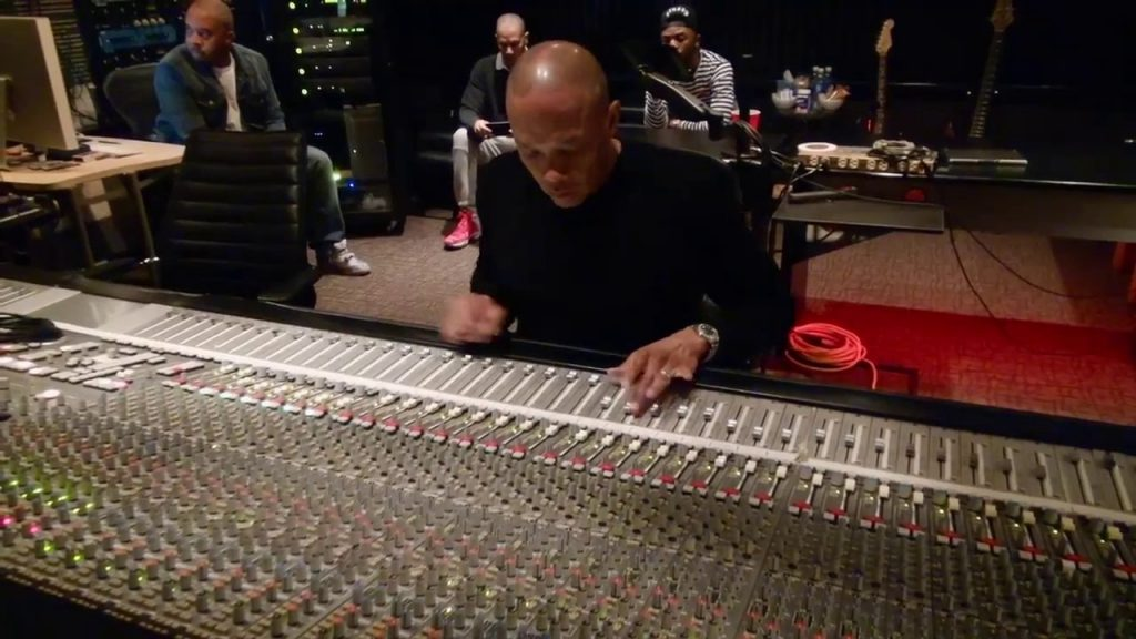 """LIFE: Dr. Dre mixing Marvin Gayes """"I Want You"""" Vocals 